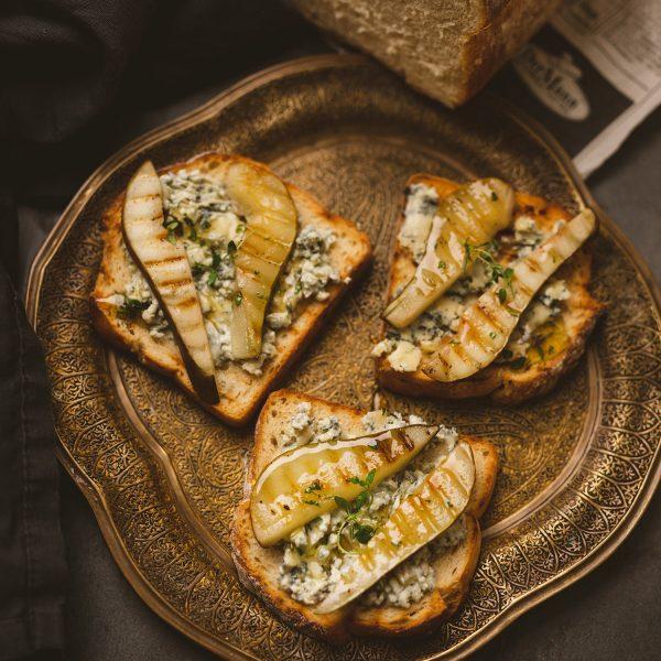 Bruschetta mit Gorgonzola und gegrillter Birne (10)